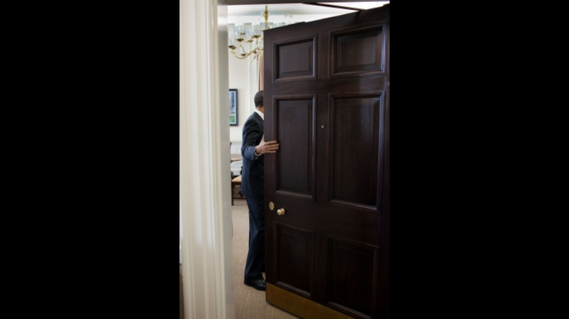 Obama opens the door for open government advocates