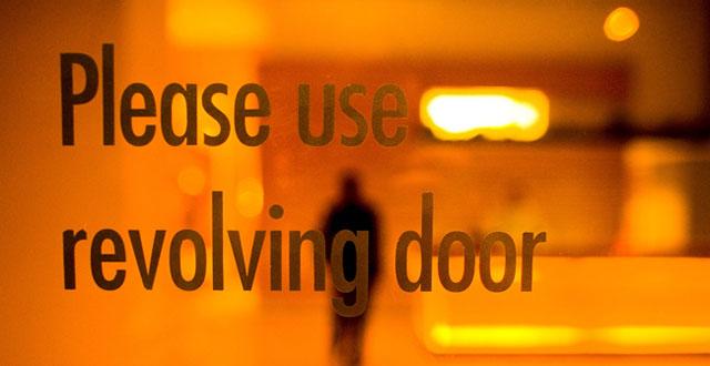 Revolving door_short